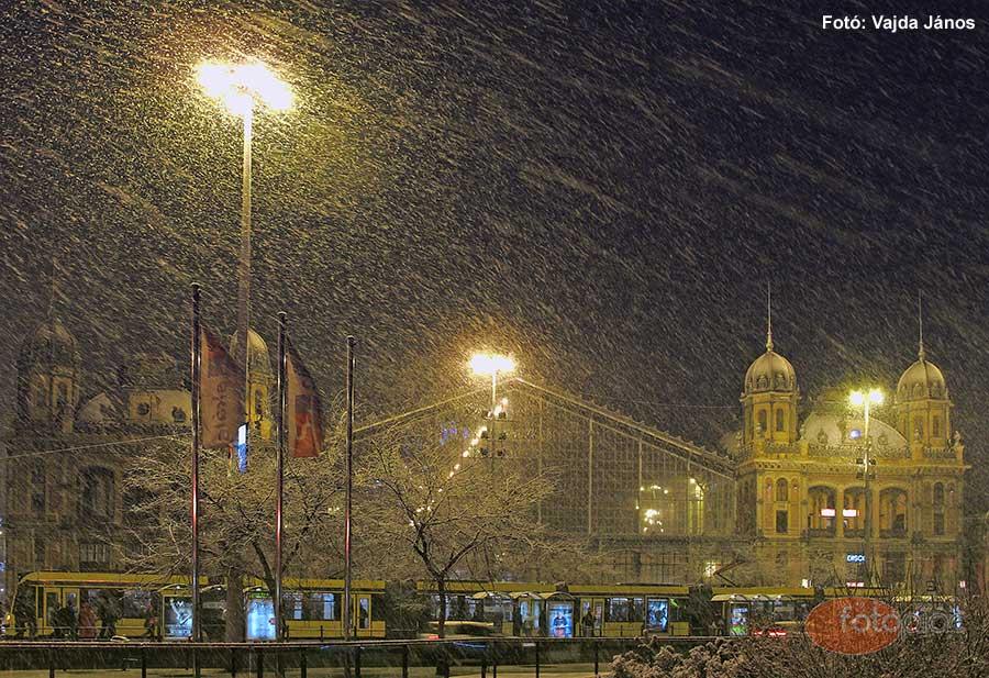 Éjszakai fotózás fényei – Hóesés