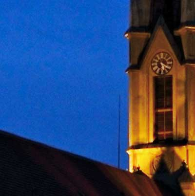 Éjszakai fotózás fényei – templom fotó kinagyított részlete
