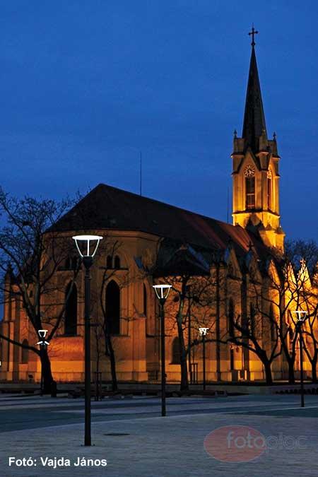 Éjszakai fotózás fényei – Templom