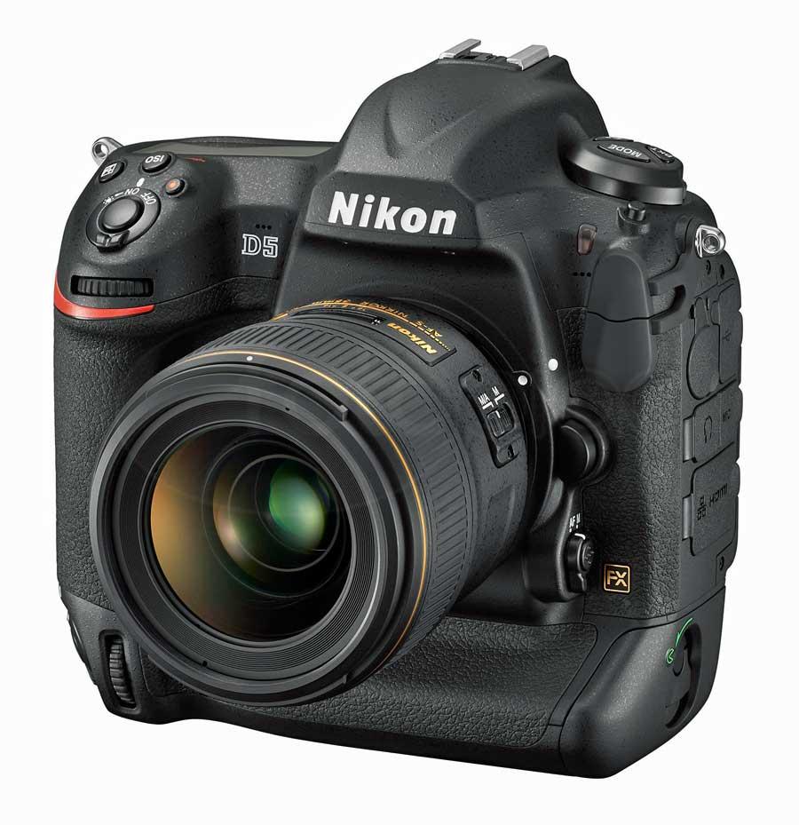 Nikon D5 digitális professzionális DSLR fényképezőgép szemből