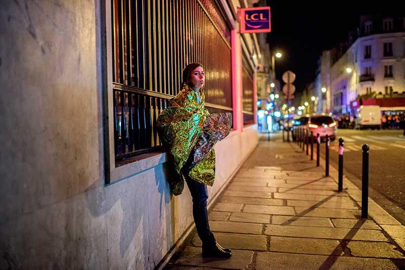 Sajtófotó pályázat 2015 Képriport (sorozat) 1. hely: Bődey János (index.hu): Sokkolta Párizst a terror éjszakája