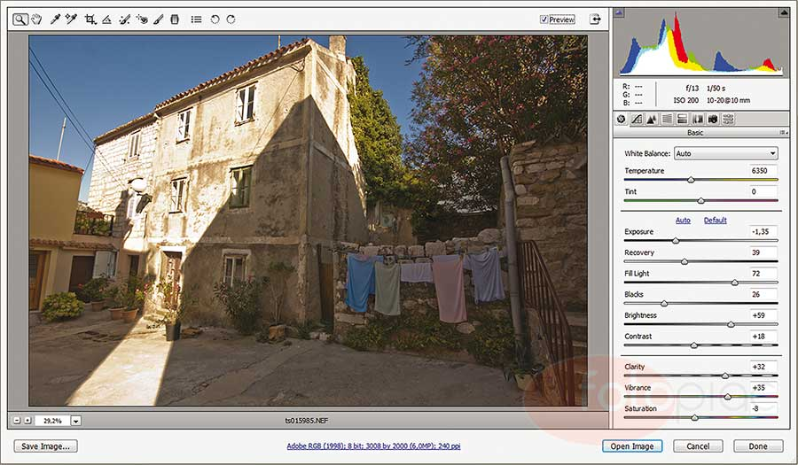 A Photoshop nyers (RAW) fájlok feldolgozására alkalmas importáló eszköz.