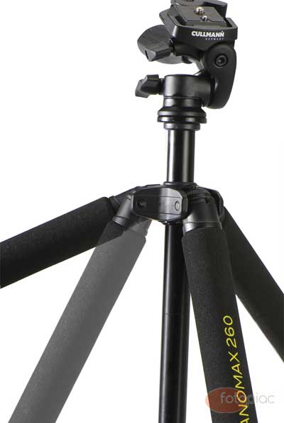 Egy jobb háromlábú fotós állvány esetében a láb nyitási szöge változtatható