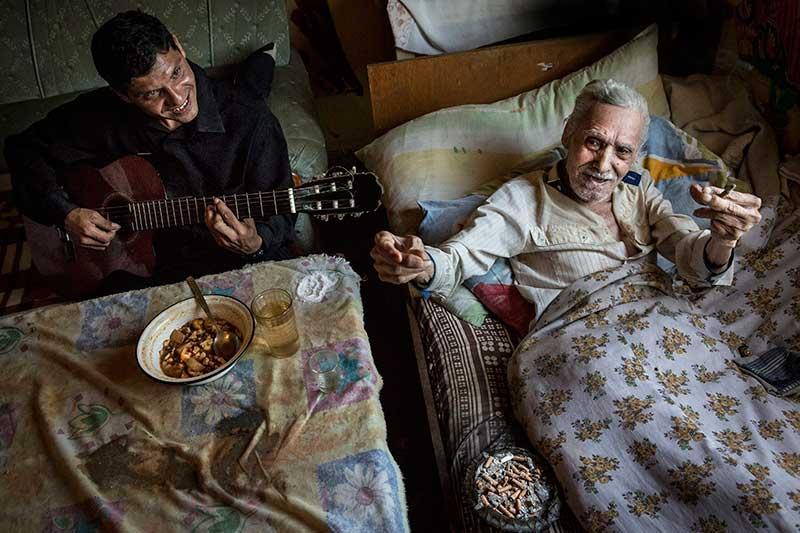 Sajtófotó pályázat 2015 Társadalomábrázolás, dokumentarista fotográfia (egyedi) 1. hely: Pályi Zsófia (szabadúszó): Vén Guszti